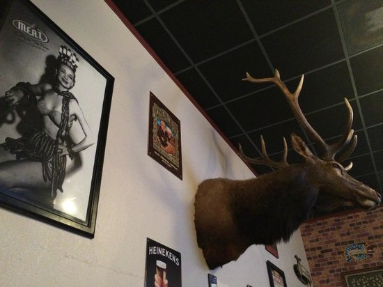 MEAT Eatery And Taproom: The decor