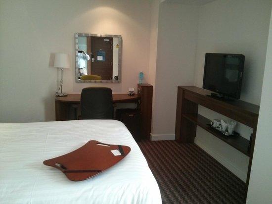 Hampton by Hilton Cluj-Napoca: Room