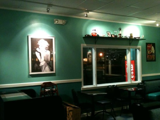 Suzys Diner Decor