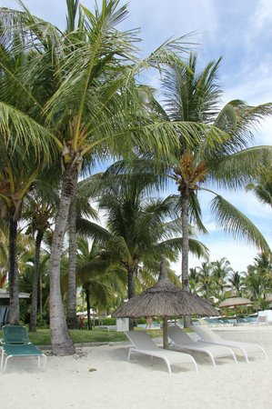 Sugar Beach Golf & Spa Resort : never had to fight for a brollie, even in December