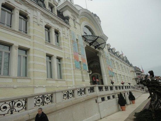 Palais Lumiere: the building