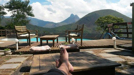 Pousada Le Siramat: Um lugar tranquilo ao lado do restaurante para desfrutar de uma bela vista. Jan 2014 - kelly