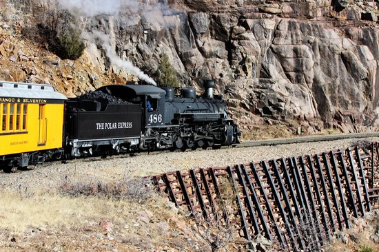 Durango and Silverton Narrow Gauge Railroad and Museum: On the way to Cascade Canyon