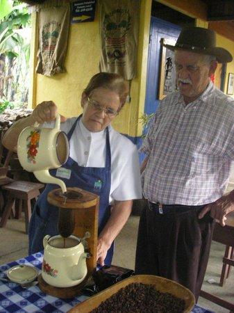 Actuar: Productuers de café à l'ancienne