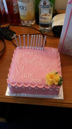 Apollo Hotel: Mum's Birthday Cake