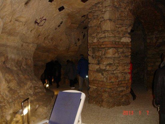 Cave Bath of Miskolctapolca: Струков