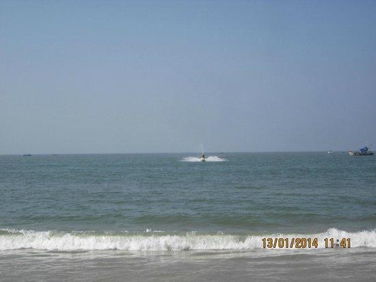 Dona Sylvia Beach Resort: Water Sport