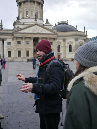 SANDEMANs NEW Europe - Berlin: Tour Guide: Lewis