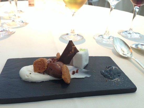 Belmond Le Manoir aux Quat'Saisons: Chocolate mousse with coconut