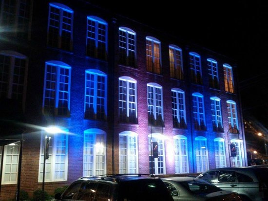 Craddock Terry Hotel : Blue Light Special