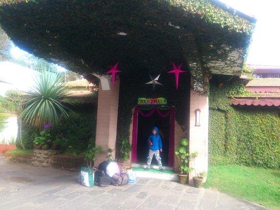 Kodai Resort: Entrance to the Hotel - Reception Area