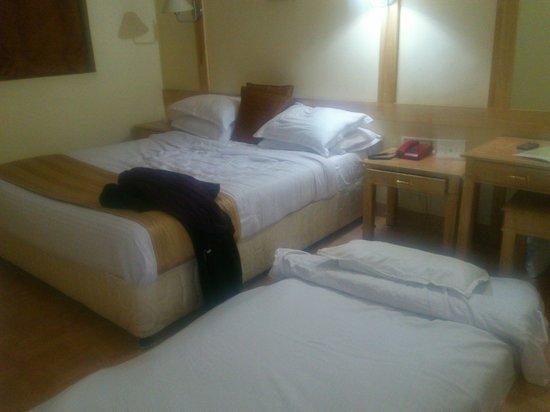 Kodai Resort: Our comfortable beds!