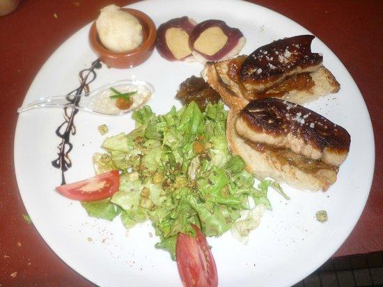 Au Bon Accueil: Foie gras poellé sur son lit de compoté d'oignons