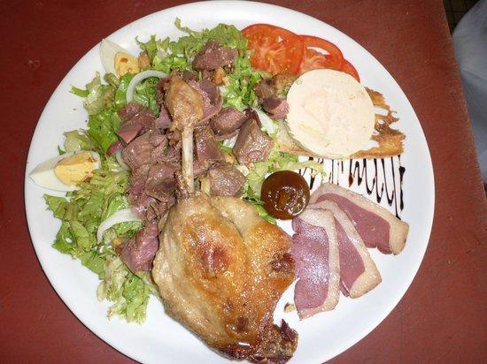Au Bon Accueil: Magret, gésiers, Foie Gras, Confit de canard