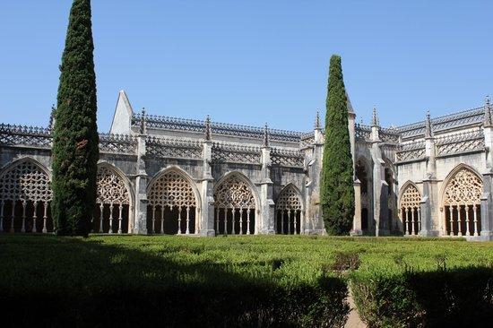 Santa Maria Church: Монастырь Санта-Мария де Алкобаса