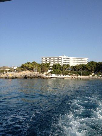 Club Marmara Lena Mary : Hotel, vue de bateau.