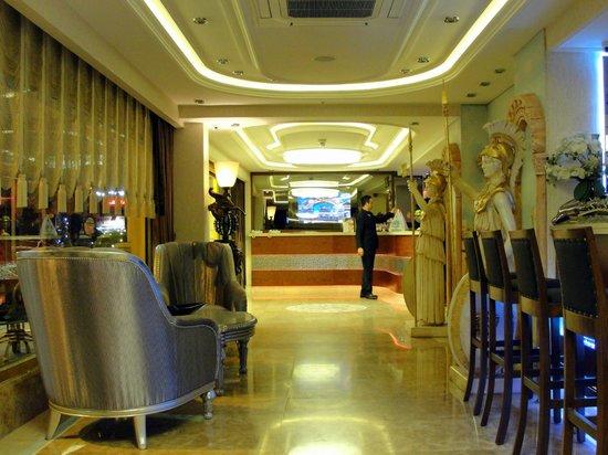 Eurostars Hotel Old City: Luxuoso lobby