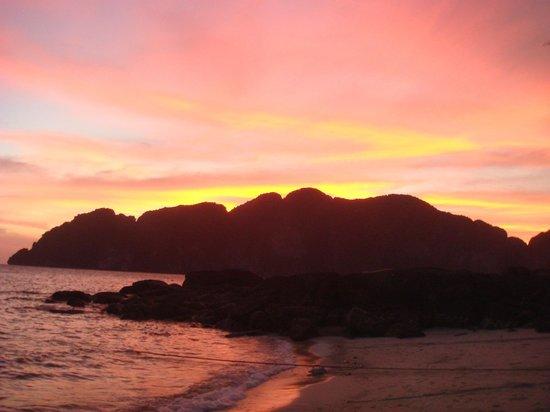 Viking Natures Resort : amazing sky at sunset