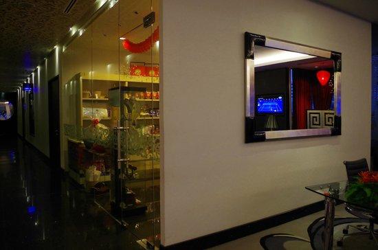 The Palace Hotel Kota Kinabalu: The Hotel Gift shop