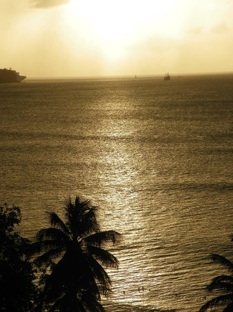 St. James's Club Morgan Bay: coucher de soleil vue de la chambre