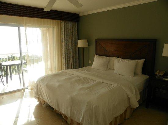 St. James's Club Morgan Bay: Chambre confortable et propre