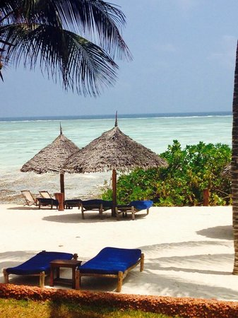 Ras Nungwi Beach Hotel: Private beach area above the main beach