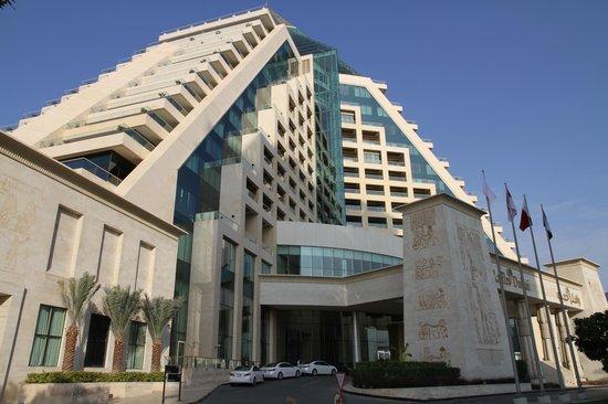Raffles Dubai: Hotel Exterior