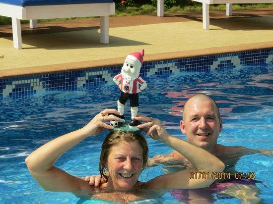Bluesea Beach Resort: David relaxing in the pool, with Carol and Aidie..