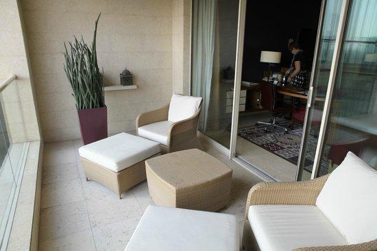 Raffles Dubai: Room balcony