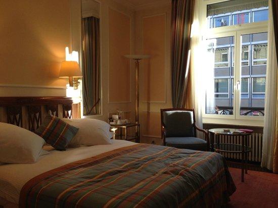 Hotel Schweizerhof Zürich: My room :)
