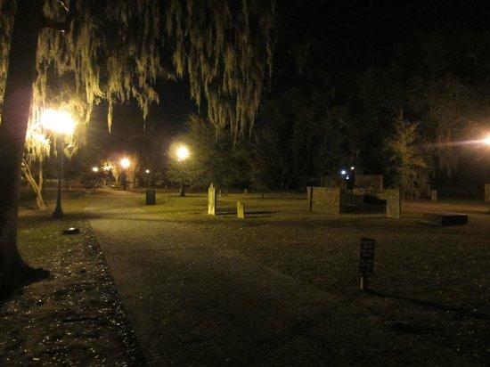 Blue Orb Savannah Ghost Tours: Bonaventure Cemetery