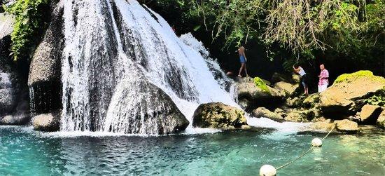 Reach Falls: main falls