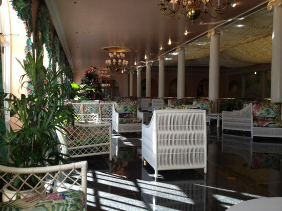 The Greenbrier: Plenty of room around the pool......