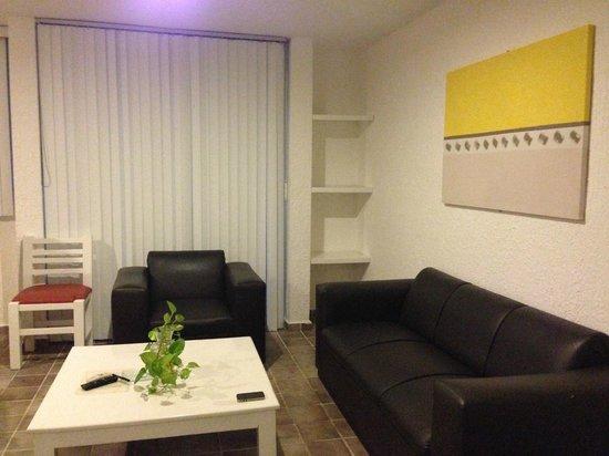Las Gaviotas Hotel+Rent Aparment: Isso é um quarto da sala. Enorme!