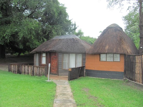 Kalizo Lodge: Old chalet that willbe replaced with their new tented accommodation