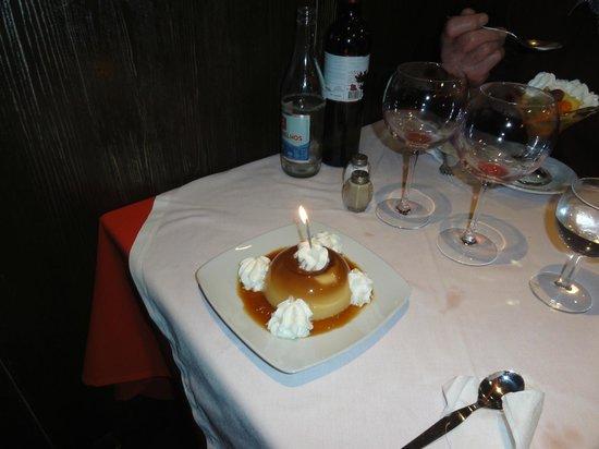 Solar da Ajuda: My dessert was accompanied by staff singing 'Happy Birthday'