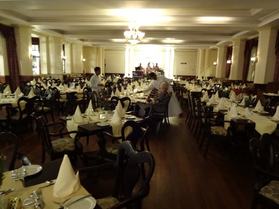 The Grand Hotel: Dining room