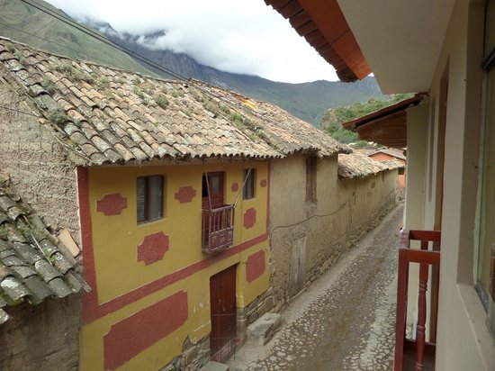 La Casa del Abuelo: View outside the french balcony (2nd floor)