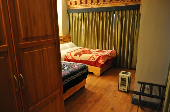 Hotel Sonam: Two double warm beds
