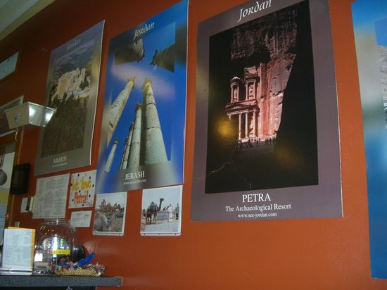 Petra Cafe: Posters of Jordan everywhere, just beautiful!