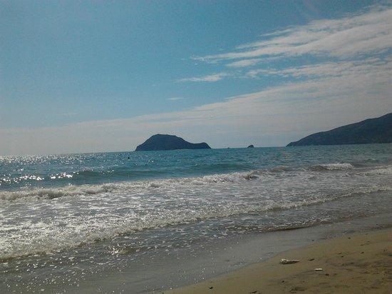 Turtle Beach Hotel: На пляже в Агиос -Состис