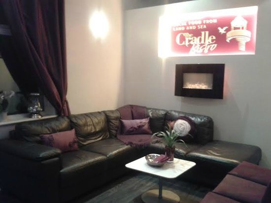 The Cradle Bistro : Waiting Area