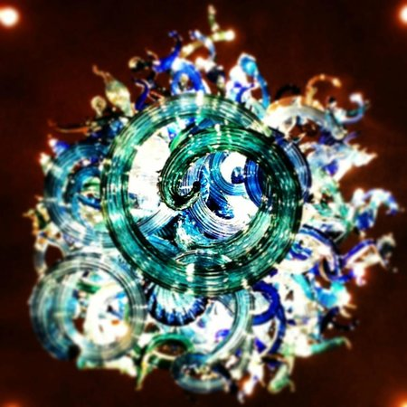 Chihuly Collection : blue chandelier from the bottom