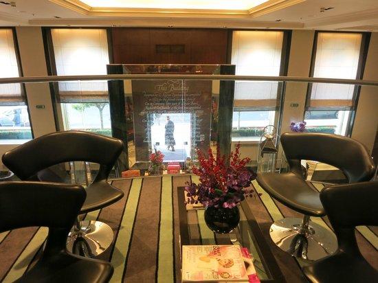 Sofitel London St James : 1er étage vue sur l'entrée et lobby