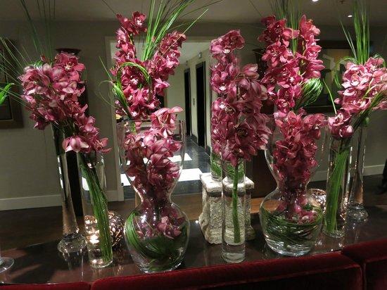 Sofitel London St James : lobby joliment fleuri