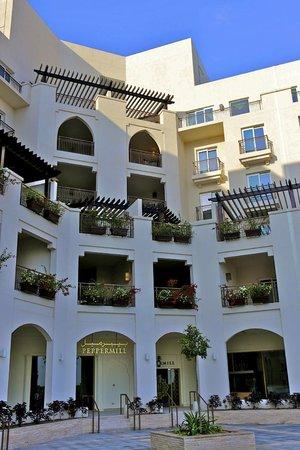 Jannah Eastern Mangroves Suites: Hotel viewed from the promenade