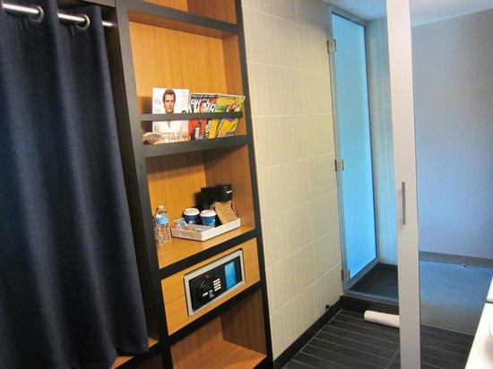 Aloft Chapel Hill: Room safe
