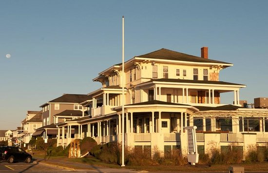 Atlantic View Inn: B&B is second house in