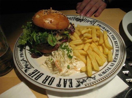 The Pub: Ottimo hamburger