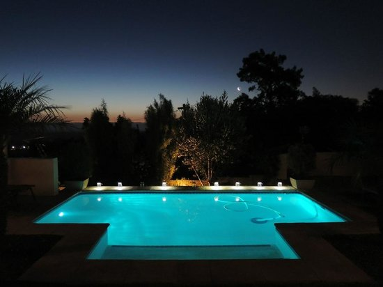‪‪Pink Rose Guesthouse & Spa - Gay resort‬: Pool, evening, sunset, stars and the moon‬
